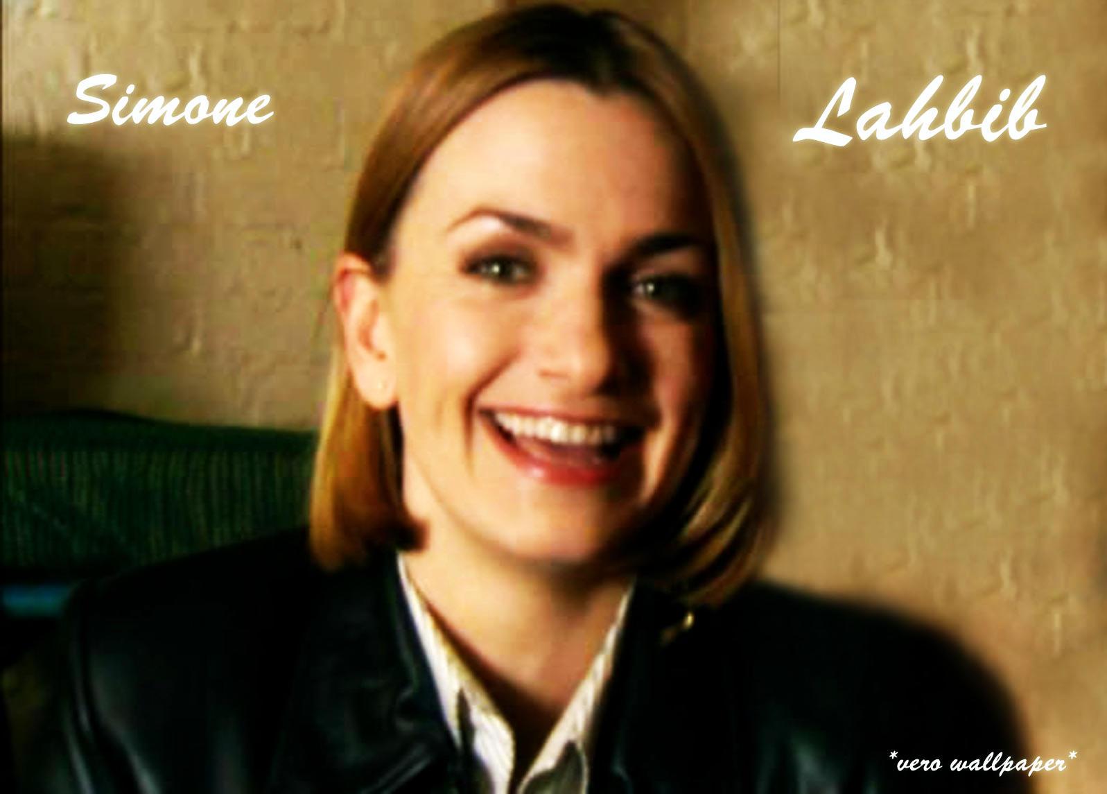 Watch Simone Lahbib video